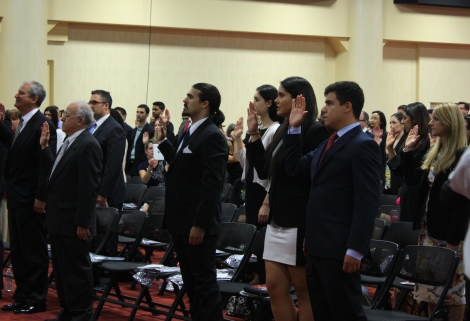 The newest California State Bar members taking the attorneys oath at the swearing in ceremony in Oakland.